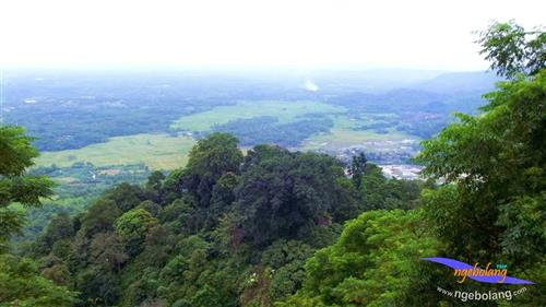 Gunung Munara April thumbnail