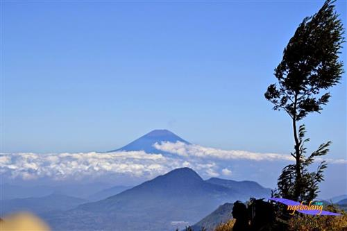 Gunung Prau September thumbnail