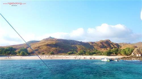Pulau Komodo Desember thumbnail