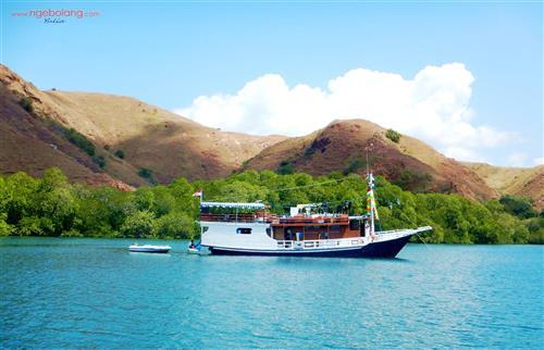 Pulau Komodo Album 2017 thumbnail